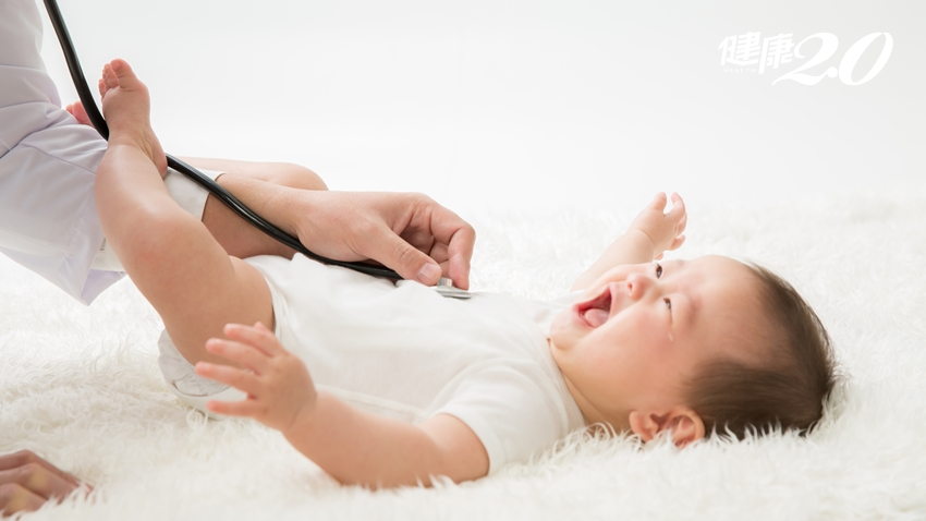 寶寶脹氣怎麼辦?爸媽必學2招「腹部按摩法」