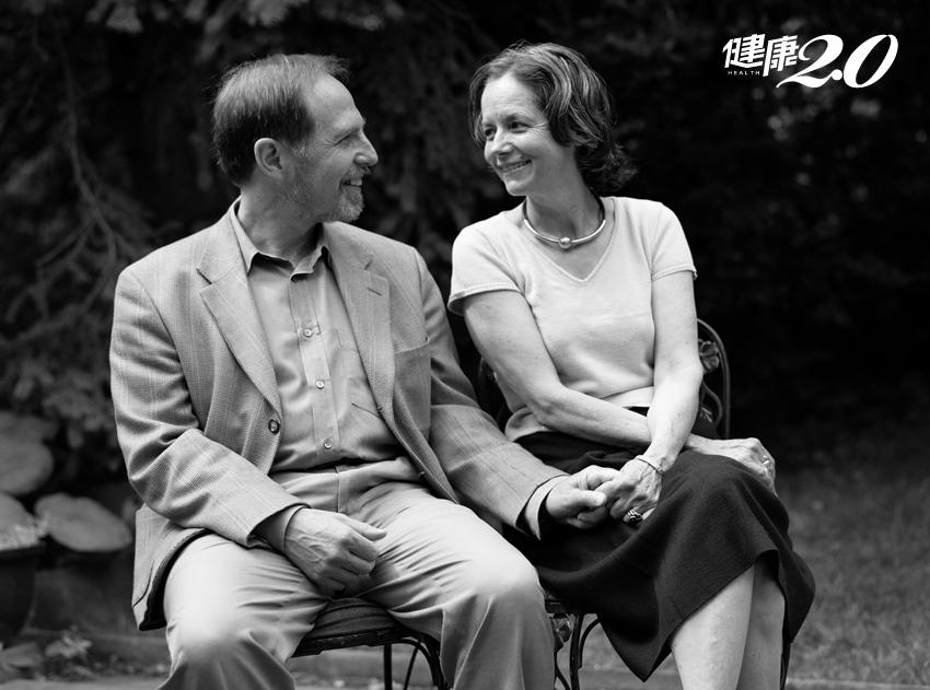 「滾,給我滾!」相愛逾40年,老婆過世前完全不認得老公…