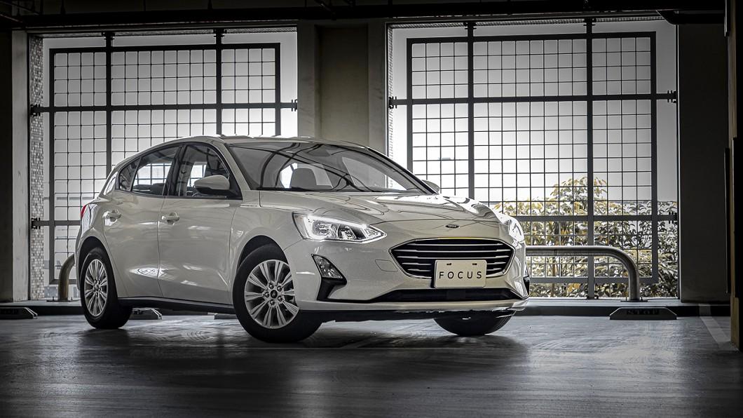Ford Focus推五門時尚版預售活動,舊換新預售價為76.9萬元。(圖片來源/ 福特六和) 福特掀神佛大戰 Focus佛心版創半自動駕駛最低價