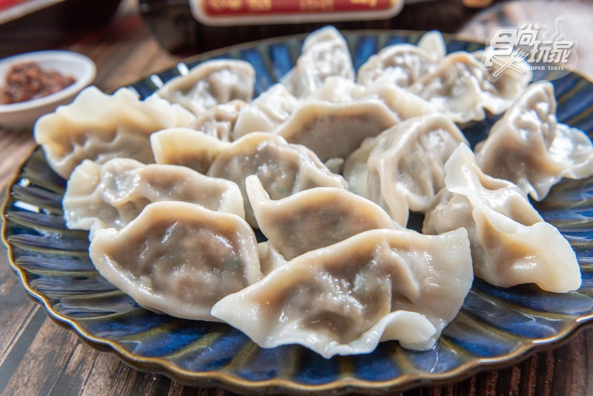「花雕雞」水餃吃過嗎?內餡52%是雞腿肉!20年經典口味變身白胖紮實水餃