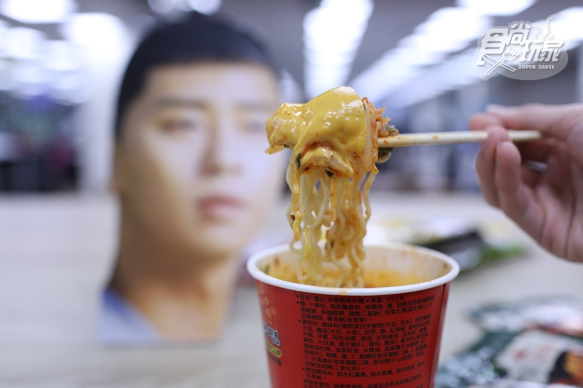 栗子頭都這樣吃!韓國超夯「世路炒泡菜」,內行韓妞「6大吃法」一秒飛到梨泰院