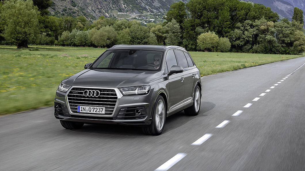 Audi Q7 S line進化版升級配備後輪轉向系統。(圖片來源/ Audi) Audi Q7 S line進化版 加6萬增後輪轉向