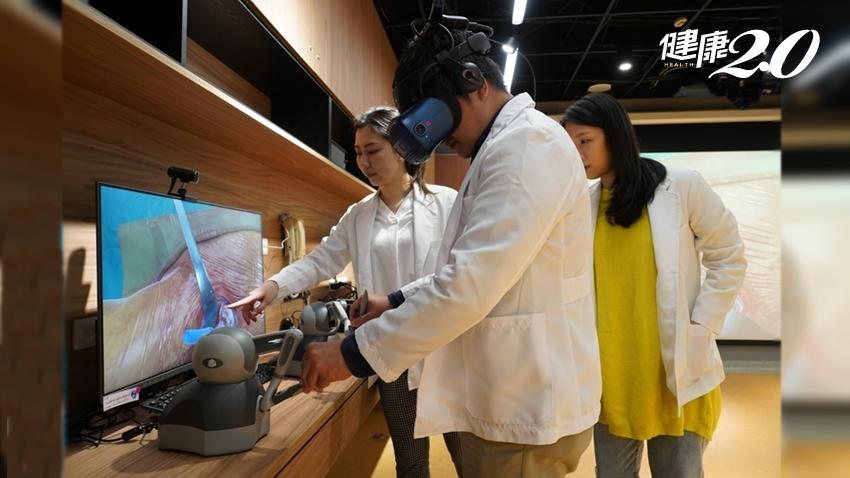 不見血、不換手術衣 台中榮總、HTC DeepQ打造VR手術模擬中心