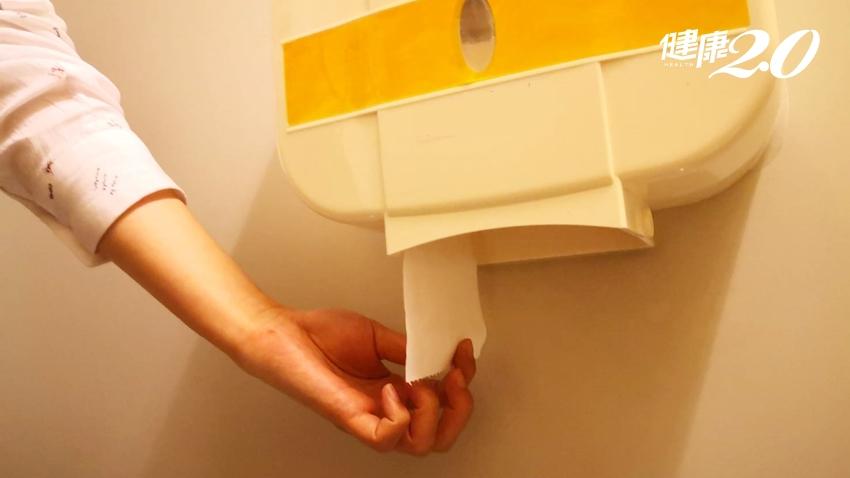 小心公廁病菌亂飛!醫師警告:衛生紙、擦手紙隱藏染病危機