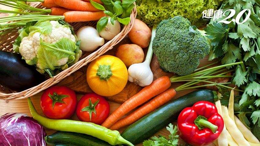 蔬菜防癌,但別吃錯!日醫:生吃效果差,1碗湯喝出抗癌力!