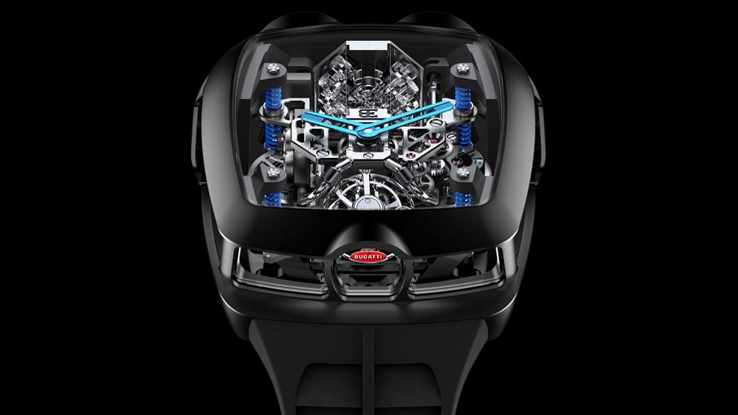 Jacob & Co.與Bugatti今年聯名推出Bugatti Chiron Tourbillon手錶,限量250隻,單隻要價280,000美元(約合新台幣840萬元)。  (圖片來源/ Jacob Bugatti推出聯名腕錶 把W16引擎戴手上
