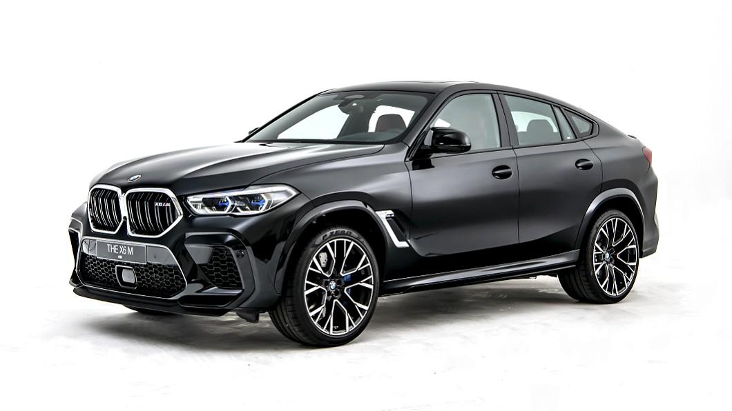 X6M以現代化設計與運動化的風格,擄獲不少熱血車迷的心。(圖片來源/ BMW) 全新X6M登場 0-100km/h 3.9秒的大傢伙