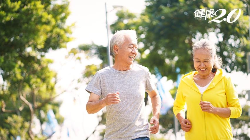 運動的長者免疫力不輸年輕人!治療師推薦9個適合銀髮族的運動