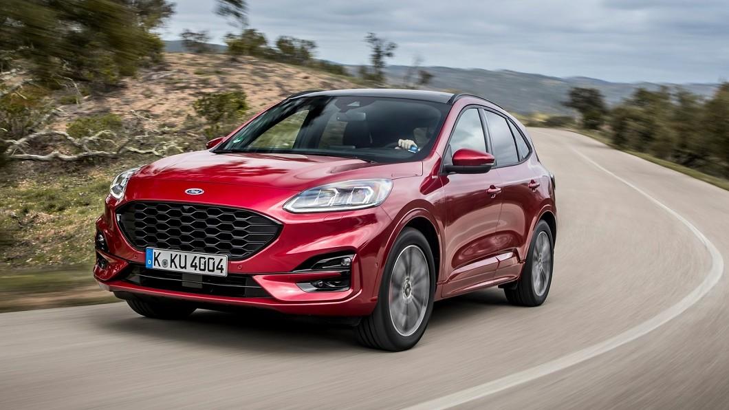 大改款Ford Kuga在外型方面跟上新世代Focus的家族化面容。(圖片來源/ Ford) 售價疑似外流 全新大改款Kuga報價98.9萬元起