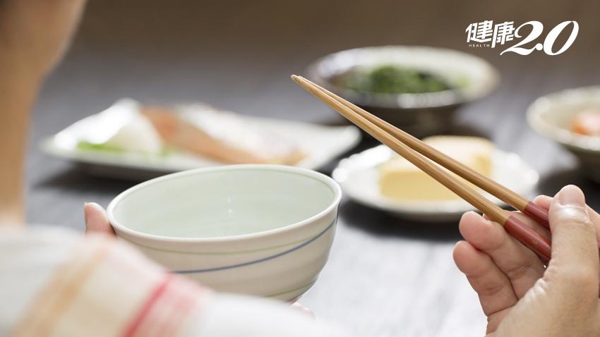 長壽處方「細嚼慢嚥」!慢食有益補血,多吃黑米、紫米養血