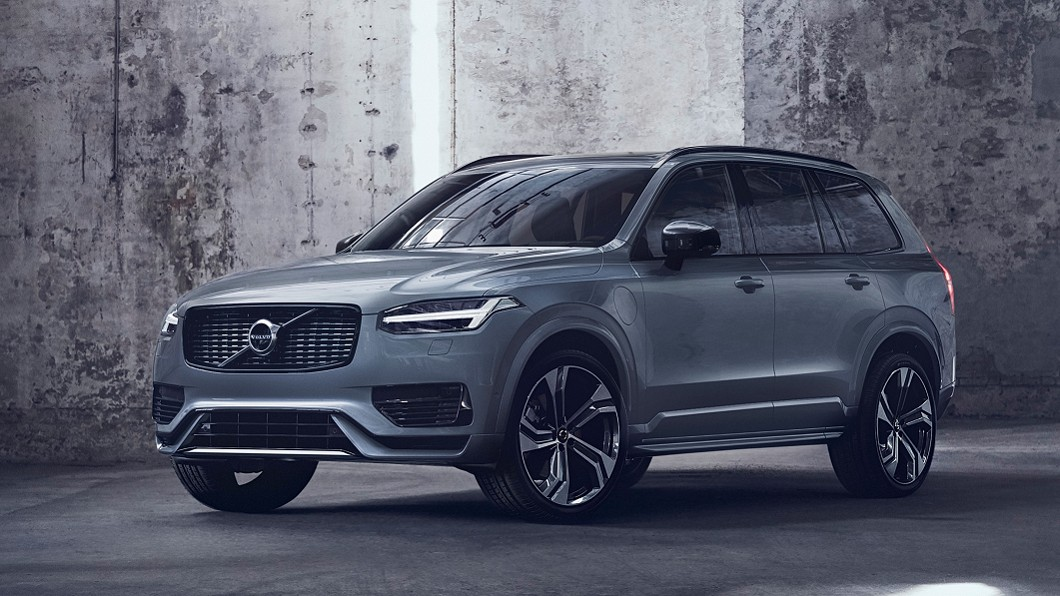 Volvo宣告以B5動力取代D5、T5與T6等傳統柴油與汽油動力。(圖片來源/ Volvo) XC90 B5輕油電動力全面導入 傳統汽柴油引擎再見
