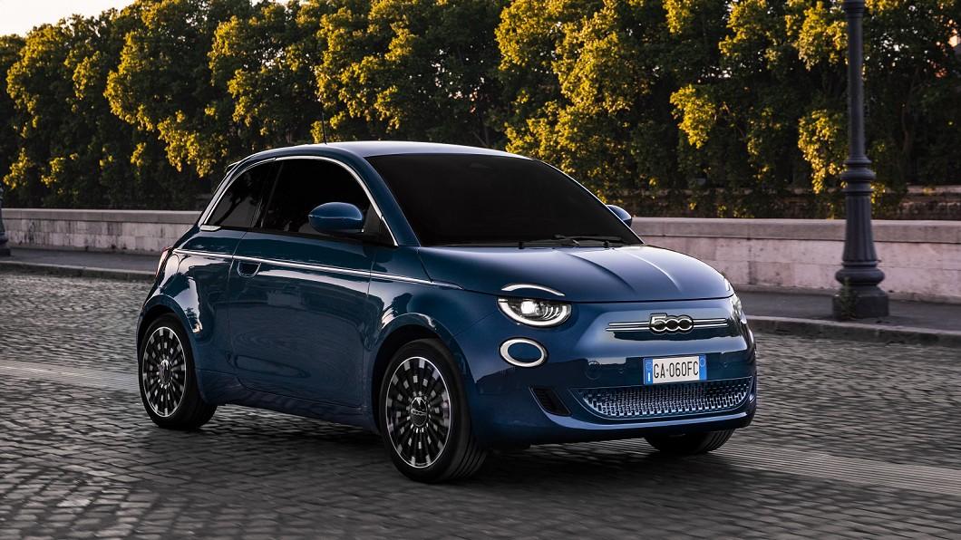 Fiat 500憑藉著小巧可愛的經典外型,在全世界都有不少粉絲喜愛。(圖片來源/ Fiat) Fiat 500 la Prima電動車登場 台北台中往返沒問題