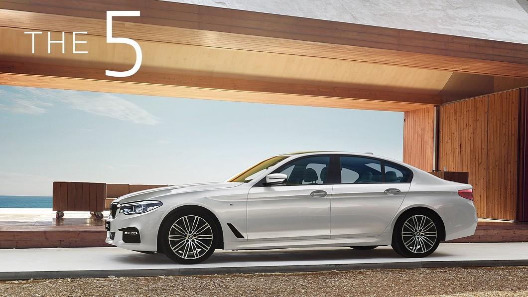 BMW總代理汎德針對5系列推出建議售價242萬元起的白金旗艦版。(圖片來源/ BMW) 全新BMW 5系列白金旗艦版 本月入主可享一年乙式全險
