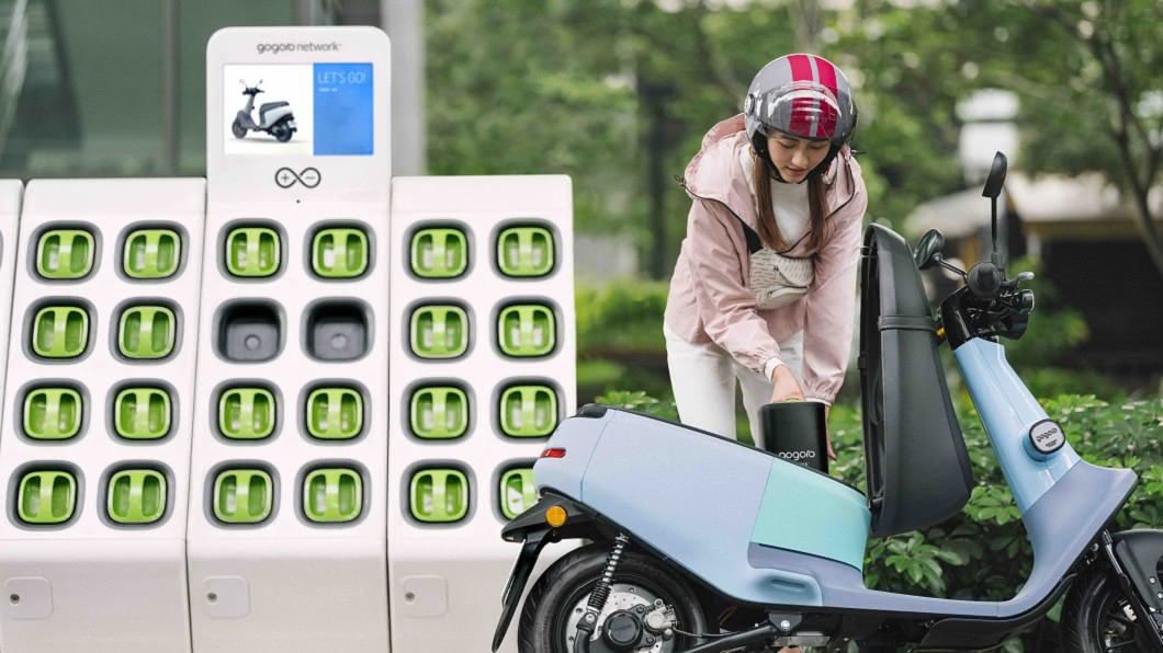 Gogoro Network 今日針對長距離通勤的用戶,推出專屬單顆電池車款的騎到飽資費方案與性能提升服務方案。(圖片來源/ Gogoro) 只要月付399 Gogoro單顆電池車款騎到飽