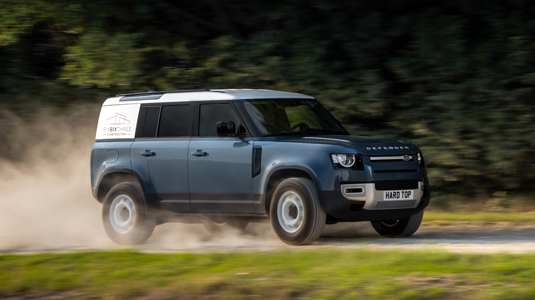 Defender被視為是Land Rover旗下具代表性的車款。(圖片來源/ Jaguar Land Rover ) 獻給做工的人 Defender Hard Top商用版登場