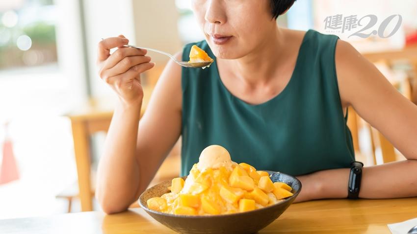 今年最熱就是這時候!中醫師提醒:冷飲冰品、生菜沙拉絕不能當正餐