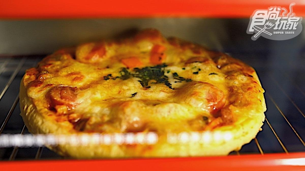 每月賣破25000片!「瑪莉屋口袋比薩」3種起司牽絲超罪惡,懶人5分鐘烤箱就能吃