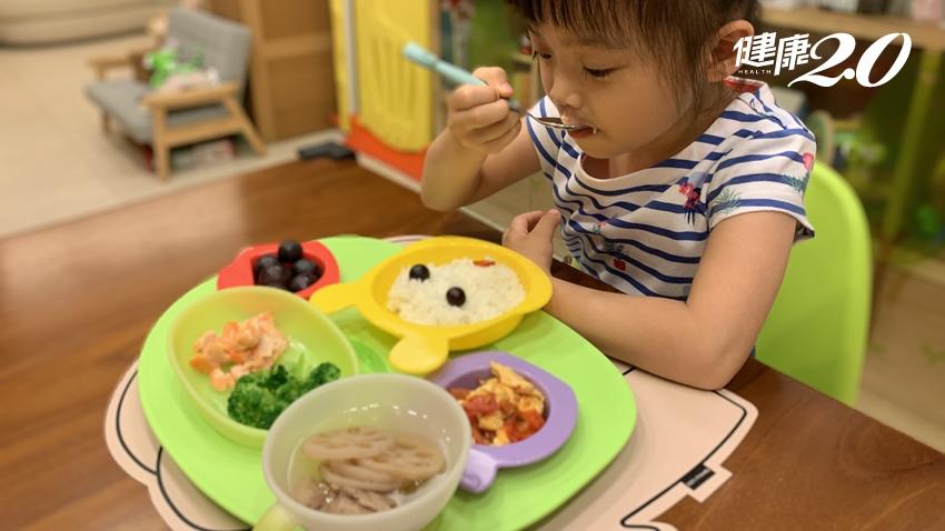 反覆不明腹痛原來是蔬果吃太少!3招養成孩子從小愛吃蔬