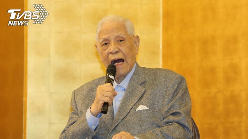 李登輝98歲逝世 吸入性肺炎3徵兆、3件事可預防
