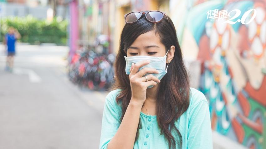 夏天悶熱「口罩痘」大爆發!嘴唇周圍狂冒痘… 醫:用這洗臉更嚴重