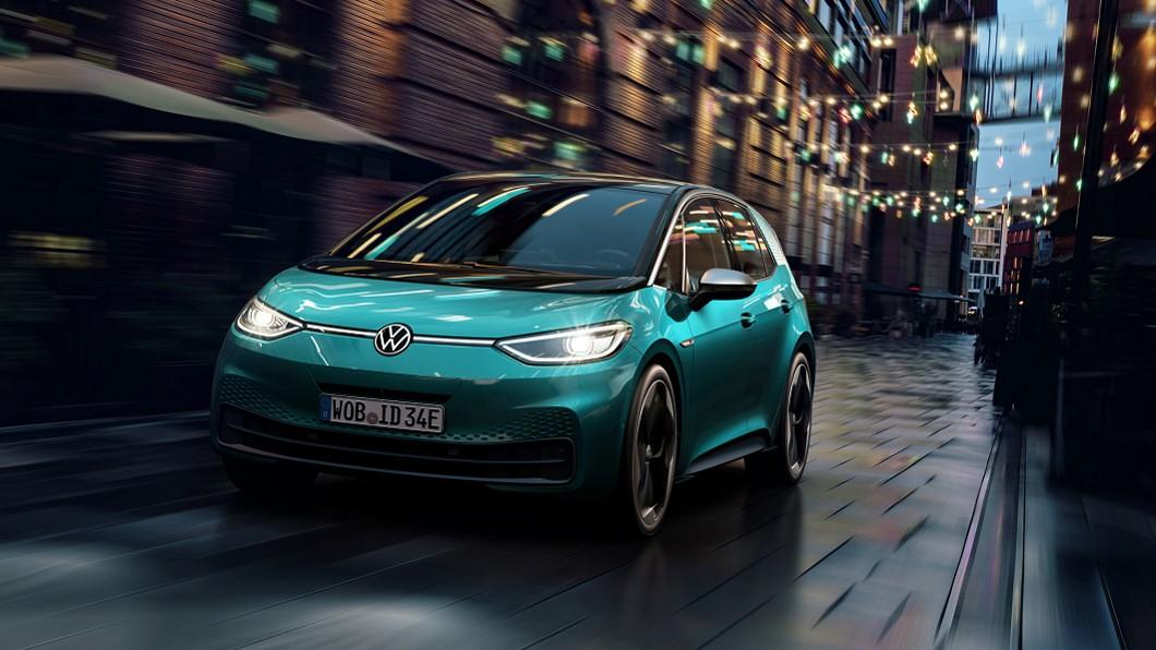 ID.3預告7月20日起於歐洲上市開賣。(圖片來源/ Volkswagen) 買車可享逾30萬元補貼 VW ID.3七月底歐洲開賣