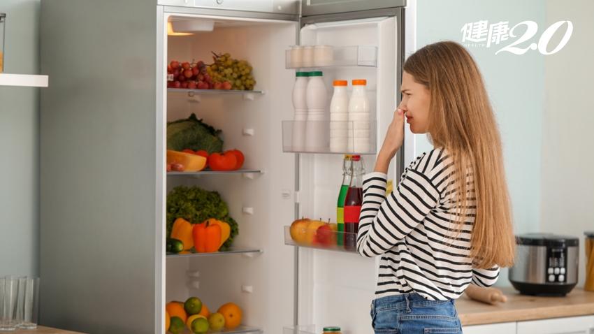 夏天冰箱飄異味?專家教你「噴這個」幫冰箱殺菌,熟食位置別放錯