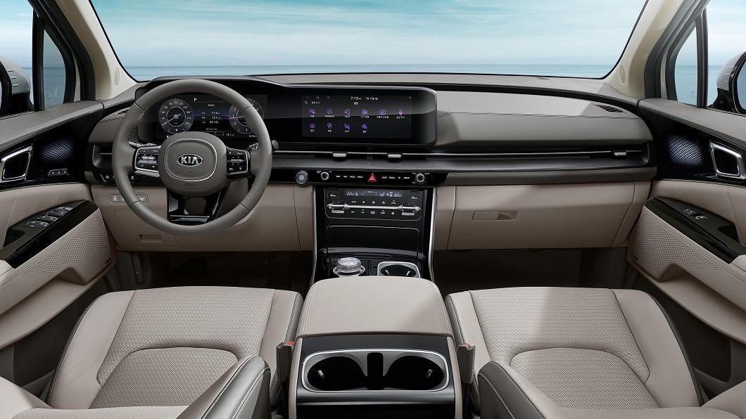 Kia正式公布新世代Carnival內裝設計。(圖片來源/ Kia) 沒有大螢幕就落伍 Kia揭示新世代Carnival數位座艙
