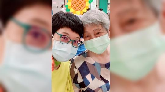 「母親忘記了我的名字」張曼娟照顧失智母曾自責、淚崩 她最想對照顧者說「學會原諒自己才能往前走」