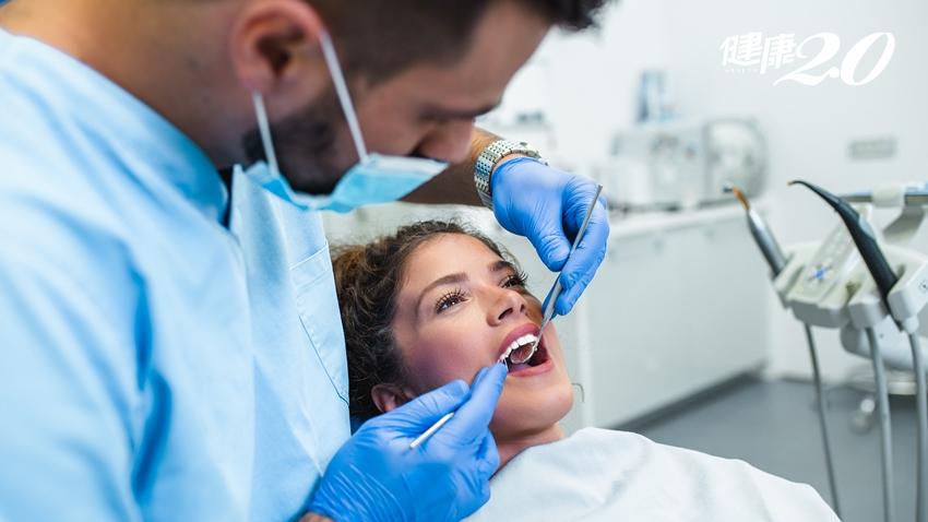 口水太少易蛀牙、牙齦發炎!預防「口乾症」嚼口香糖、補充維生素,以及這樣喝水才效