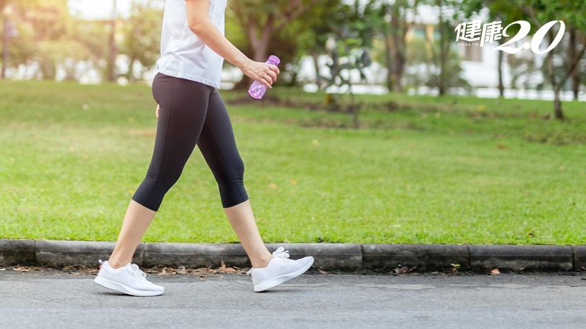 關節行不行?散步、慢跑、深蹲這樣做 膝關節不受傷