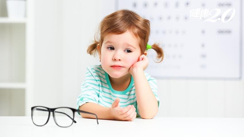 近視會失明!孩子近視該選擇散瞳劑、角膜塑型鏡片還是戴眼鏡?