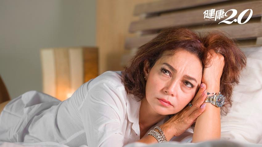 微笑熟女更年期變「憤怒鳥」!中醫可改善不適,經前症候群嚴重者應超前部署