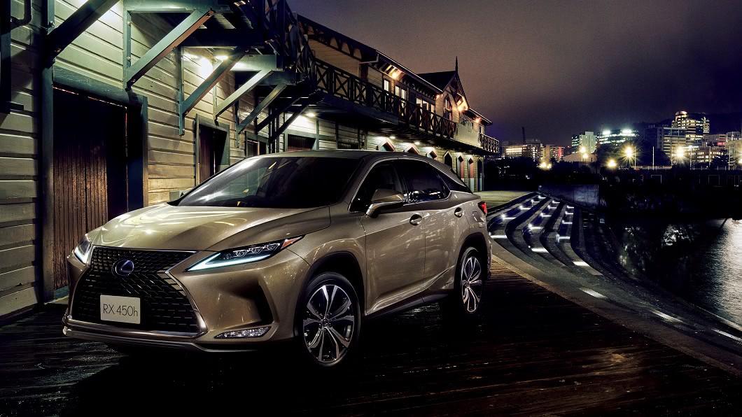 Lexus宣告為2021年式RX進行配備升級,同步強化安全性與便利性。(圖片來源/ Lexus) 全面標配PKSB防碰撞輔助 新年式Lexus RX配備再升級