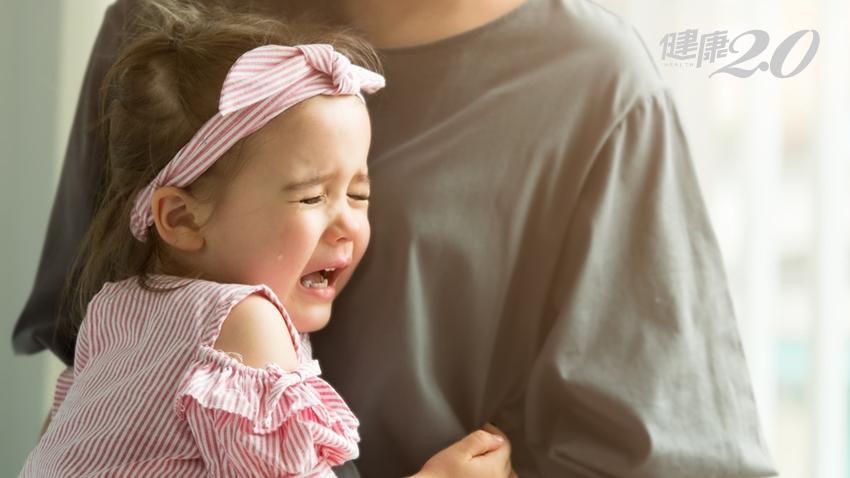 小孩不愛刷牙又蛀牙,去診所鬧到天翻地覆…可以全身麻醉治療嗎?