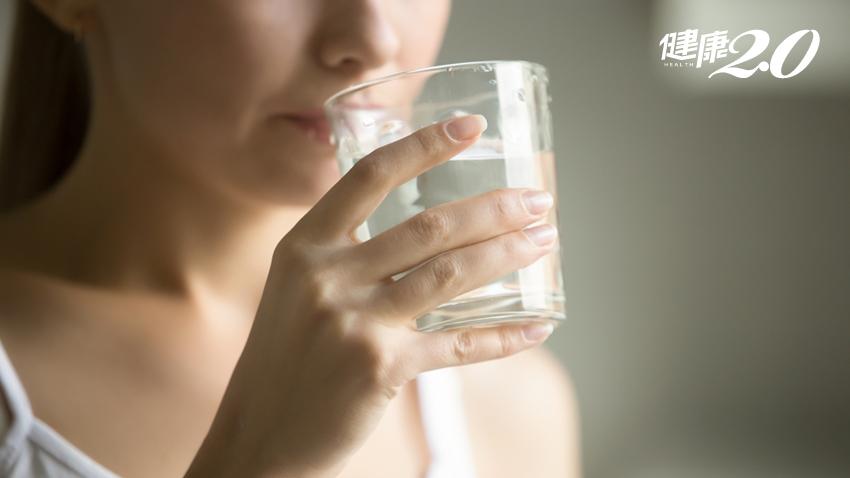 早上第一杯「救命水」怎麼喝?喝對防心腦血管疾病、活化腸胃道