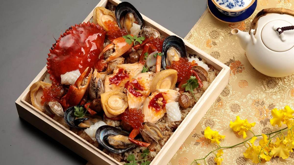 中威力彩頭獎要吃!8880元超華麗便當,龍蝦、鮑魚、紅蟳、淡菜都在這3層木盒裡