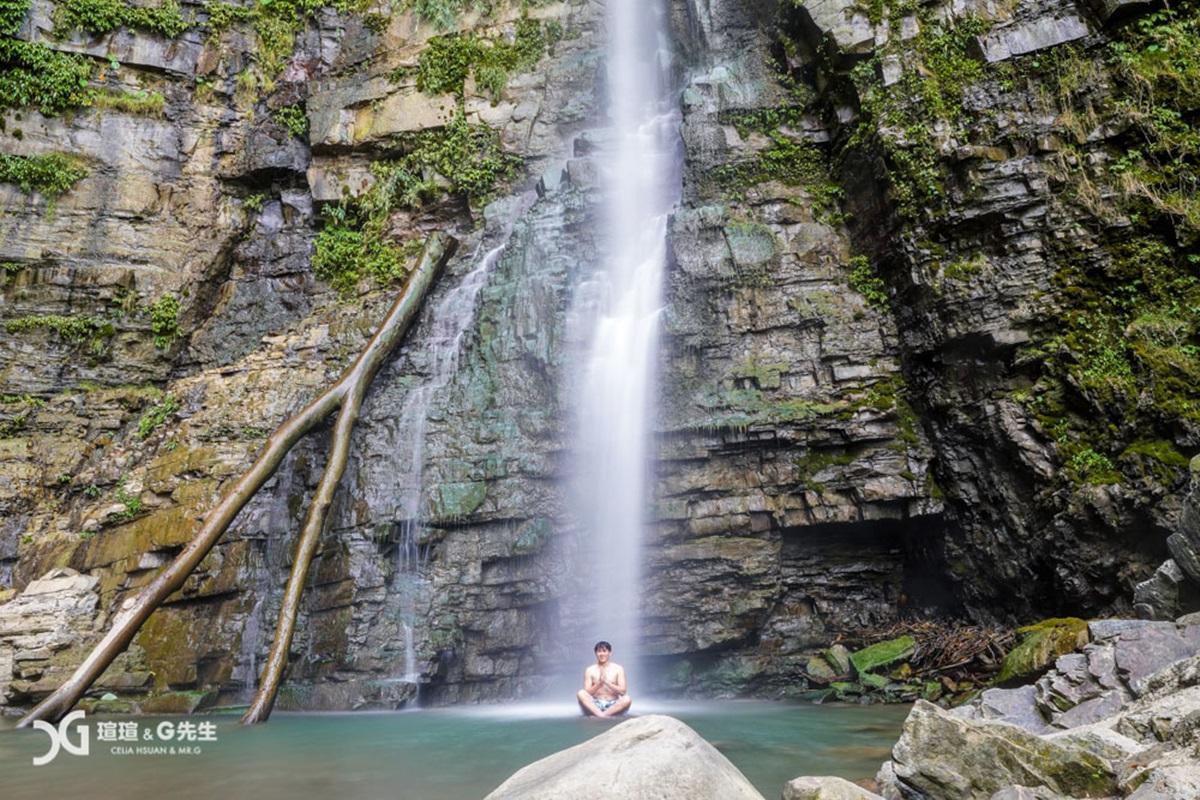 【食尚首播】15分鐘輕鬆抵達!南投玩水祕境40公尺雙瀑布消暑又美拍