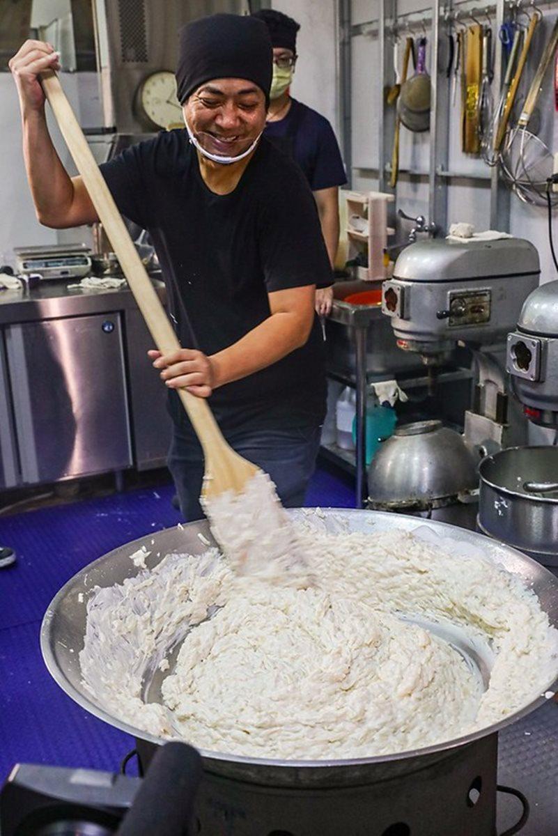 一口秒被圈粉!手工限量粉粿、米苔目真材實料,常常店還沒開就賣完
