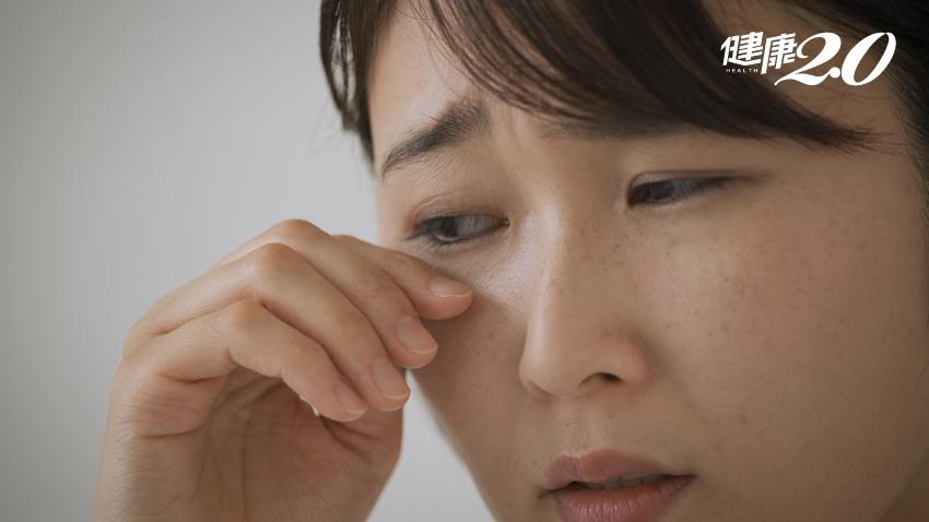 家政婦雙眼紅腫癢竟是蠕形蟎蟲惹禍!出現睫毛易脫落、白色屑屑、乾癢等快檢查