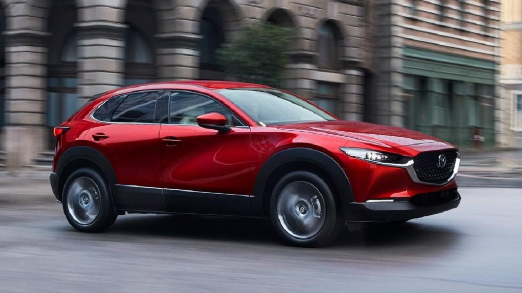 全新2021年式Mazda CX-30在維持原本售價下,全車系標配巡航模式車道維持輔助系統(CTS)。(圖片來源/ Mazda) 21年式Mazda CX-30價格沒變 89.9萬入門就享車道維持輔助