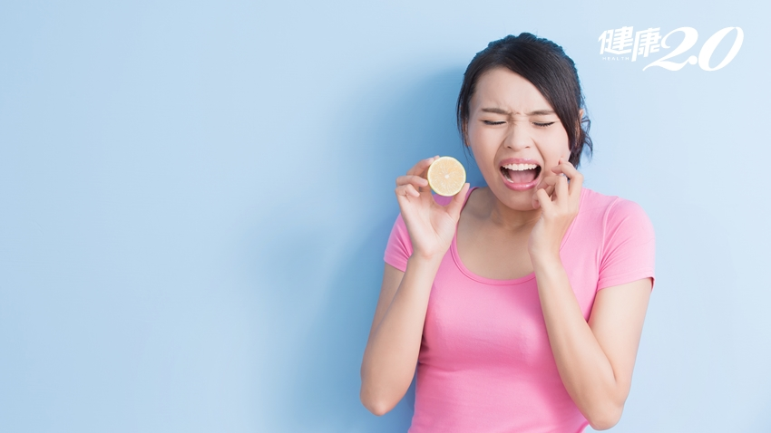 美白牙粉、美白藥劑、電動牙刷能美白牙齒?牙醫師曝少做1動作 當心牙齒敏感