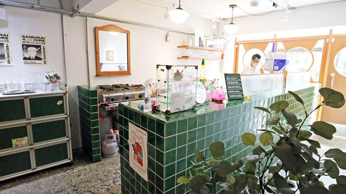 IG打卡必吃!板橋復古冰室超有哏,草莓剉冰要撒玫瑰鹽、抹茶口味配肉鬆