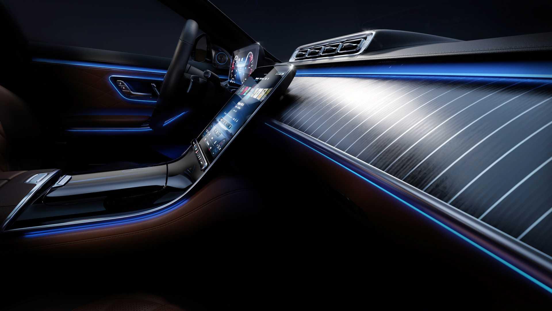 M-Benz S-Class透過飾條提升大面積木質飾板質感。(圖片來源/ Mercedes-Benz) 這不是遊艇! 新一代S-Class超炫內裝最新曝光