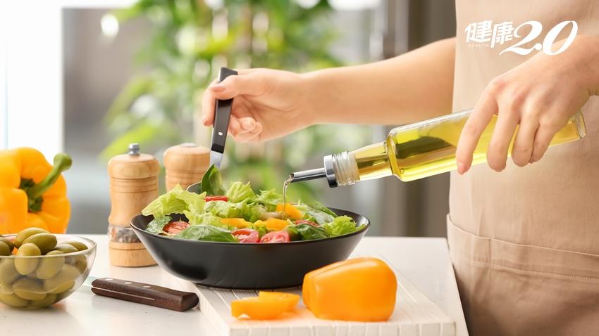 「水煮餐」是減肥大地雷,小心便祕還會讓你更餓!2原則邊吃邊瘦