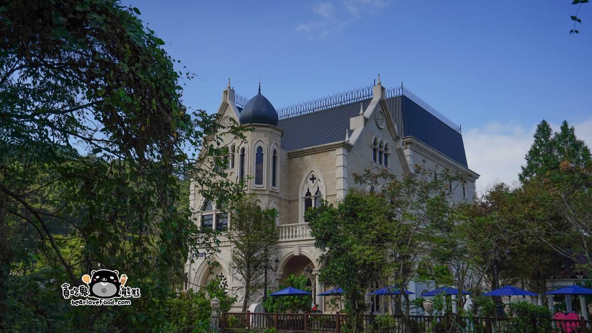 通通在埔里!網美南投1日遊必拍3景點:台版青瓦臺、巧克力城堡、藍色月球