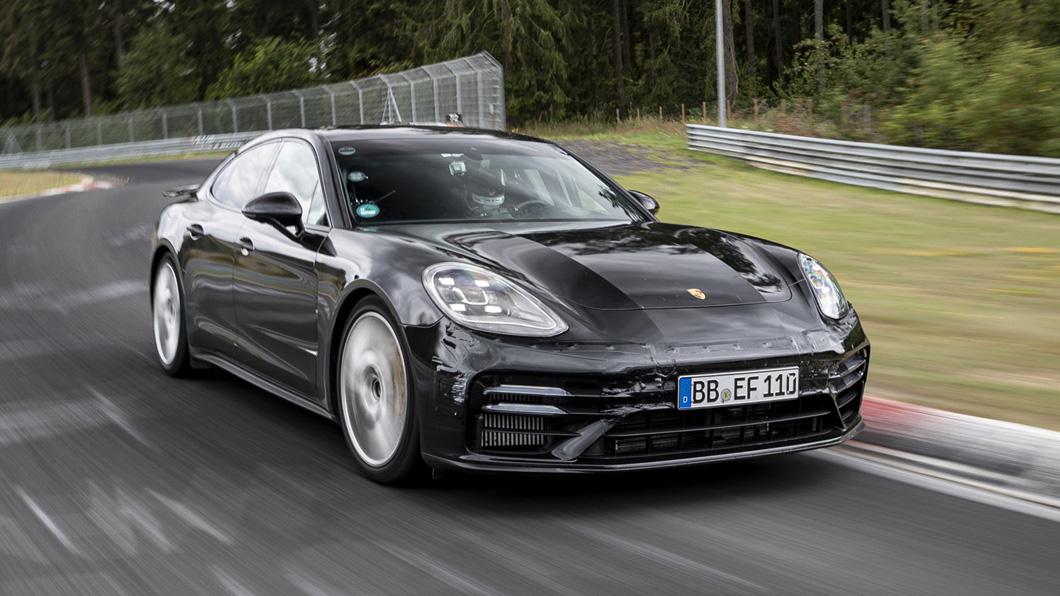 在小改Panamera全球發表前夕,保時捷再次印證其全新車款卓越的性能表現。(圖片來源/ Porsche) 向前推進13秒! 小改Panamera再度刷新紀錄