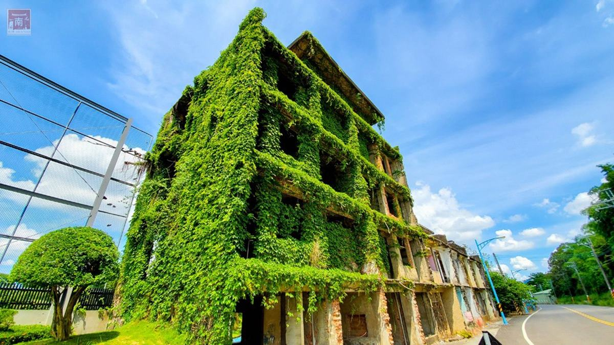 【全台12個美拍廢墟】綠巨人浩克的家、台版霍爾移動城堡、日式建築群一次收