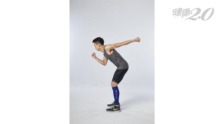 1分鐘瘦手臂!3招超有感「消除掰掰袖運動」 快速打薄粗手臂、蝴蝶袖