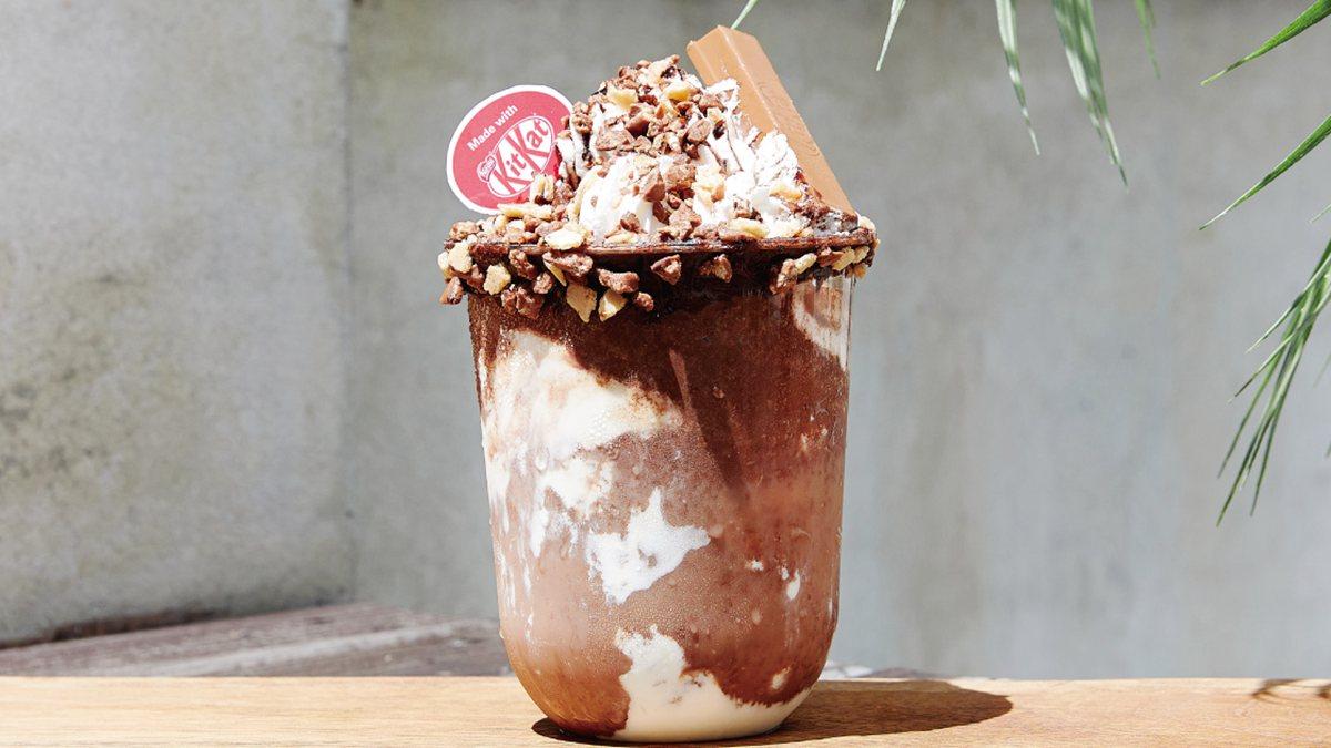 比星冰樂更浮誇!KitKat半熟巧克力起司冰沙限時「買一送一」