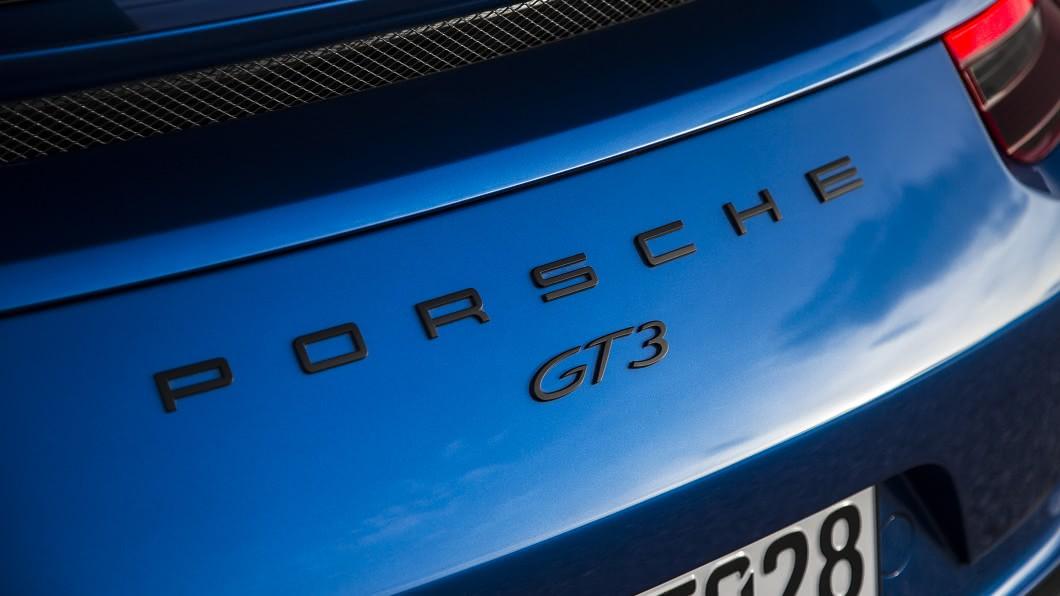 最新消息指出,新世代911 GT3有望導入賽車化大型尾翼。(圖片來源/ Porsche) 有曬衣架才夠威 新世代911 GT3有望植入賽車尾翼